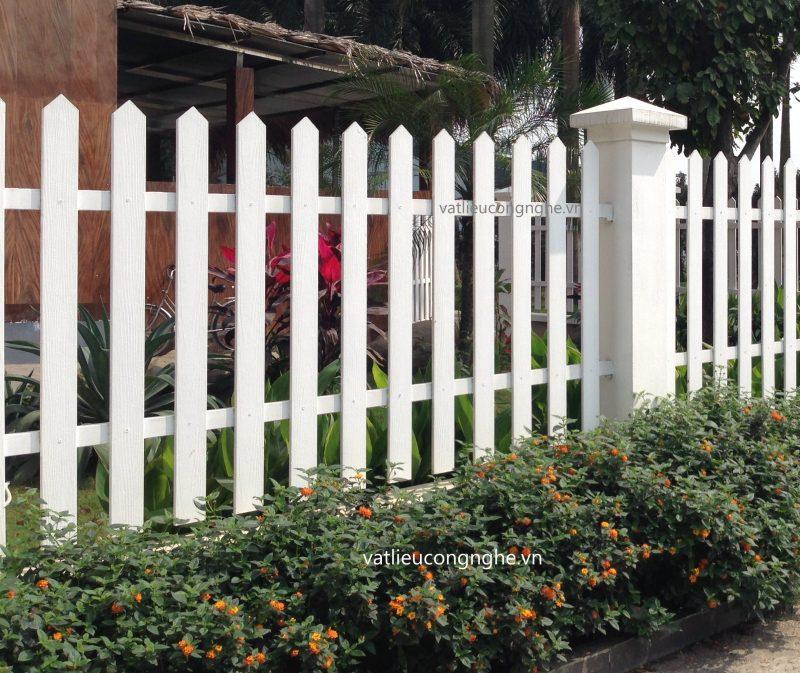 Hàng rào gỗ xi măng